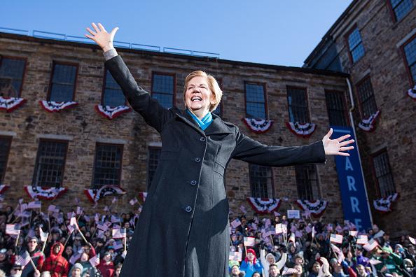 Elizabeth Warren「Sen. Elizabeth Warren (D-MA) Announces Presidential Bid In Lawrence, Massachusetts」:写真・画像(7)[壁紙.com]