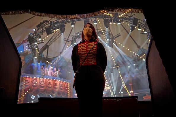 Kiran Ridley「Mustn't The Show Go On? Paris's Historic Cirque d'Hiver Adapts Amid Covid-19 Surge」:写真・画像(2)[壁紙.com]