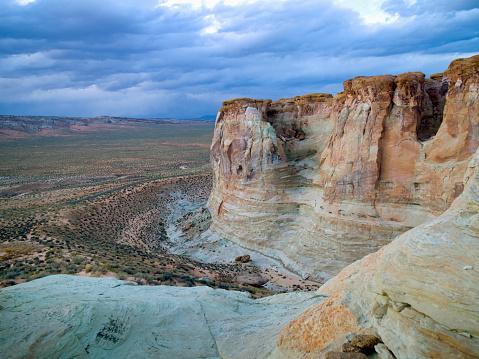 Glen Canyon National Recreation Area「Landscape In Glen Canyon National Recreation Area; Utah United States Of America」:スマホ壁紙(19)
