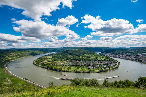 Landscape in Rhine river in Germany:スマホ壁紙(壁紙.com)