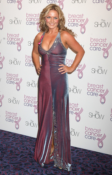 Breast「Breast Cancer Care 2009 Fashion Show - Arrivals」:写真・画像(2)[壁紙.com]