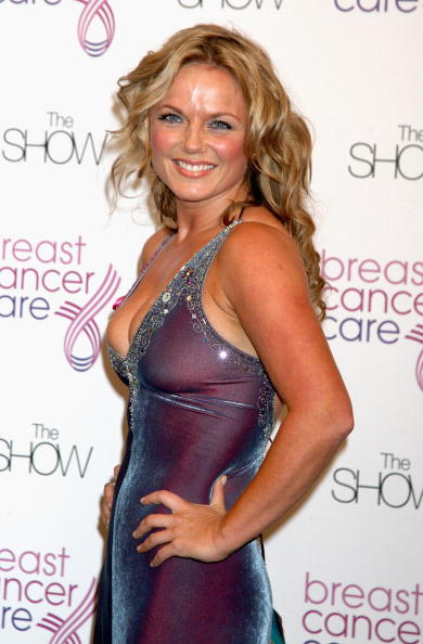 Breast「Breast Cancer Care 2009 Fashion Show - Arrivals」:写真・画像(18)[壁紙.com]