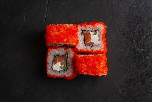 Square Shape「Red fish roe sushi on black surface」:スマホ壁紙(0)