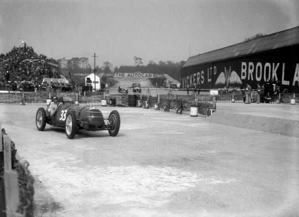Motorsport「Riley 1985 cc competing in the JCC International Trophy, Brooklands, 2 May 1936」:写真・画像(9)[壁紙.com]