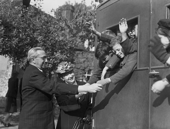 Fred Morley「Orphan Emigrants」:写真・画像(12)[壁紙.com]