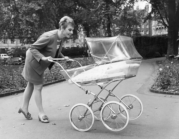 Baby Carriage「Transparent Pram」:写真・画像(9)[壁紙.com]