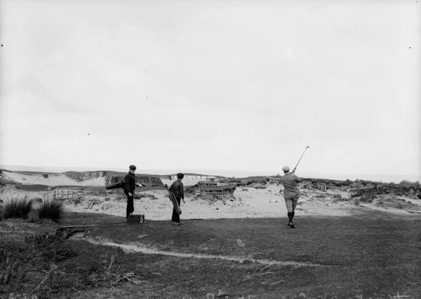 Sand Trap「Golfers At Bunker」:写真・画像(5)[壁紙.com]