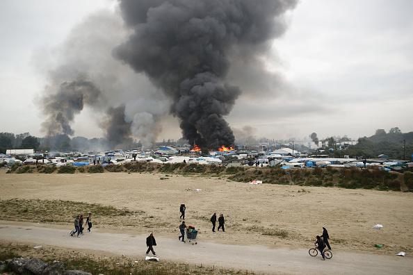 Calais「Migrants Leave The Jungle Refugee Camp In Calais」:写真・画像(5)[壁紙.com]
