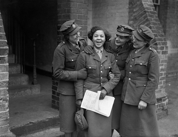 Only Women「ATS Comrades」:写真・画像(19)[壁紙.com]