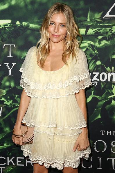 "Sienna Miller「Premiere Of Amazon Studios' ""The Lost City Of Z"" - Arrivals」:写真・画像(14)[壁紙.com]"