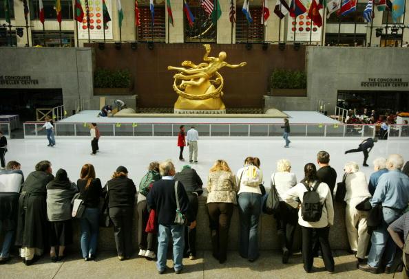 Chris Hondros「Rockefeller Center Ice Rink Opens」:写真・画像(14)[壁紙.com]