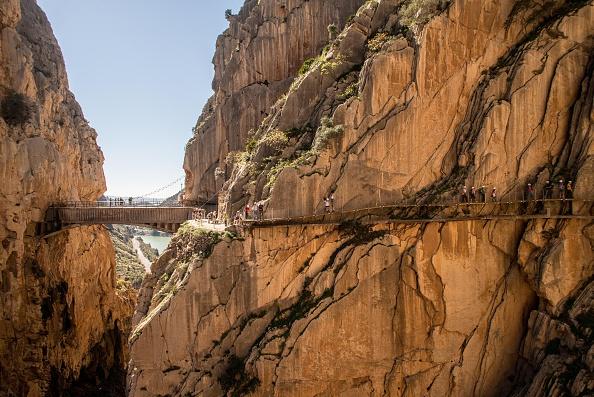 Footpath「World's Most Dangerous Footpath Set To Reopen In Spain」:写真・画像(2)[壁紙.com]