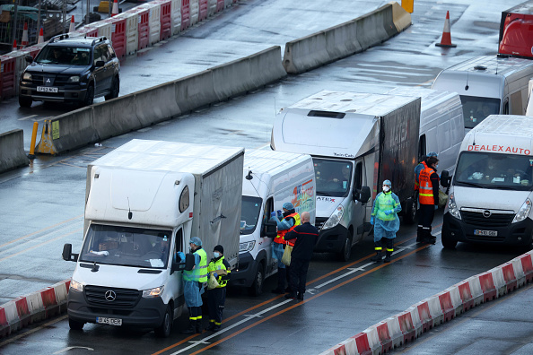 Cotton Ball「Travel To France Resumes As Lorry Drivers Receive Covid-19 Tests」:写真・画像(4)[壁紙.com]
