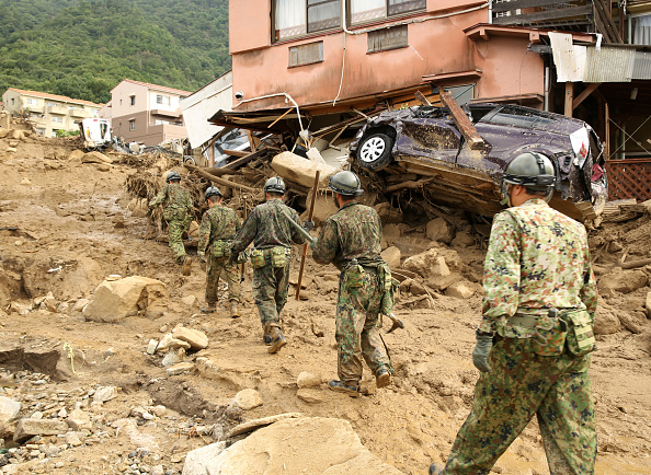 Torrential Rain「Rescue Work Continues At Hiroshima Landslide Site As Toll Rises To 39」:写真・画像(2)[壁紙.com]