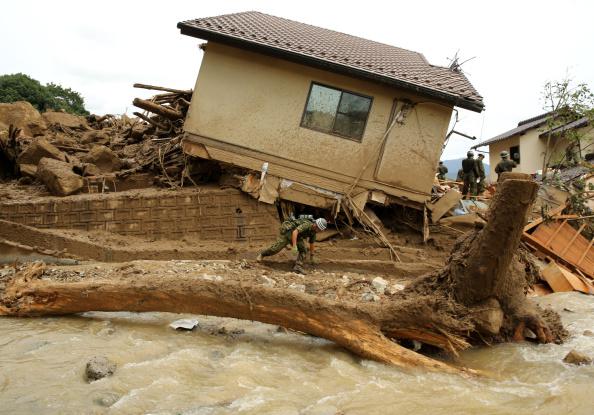 Torrential Rain「At Least 18 Killed In Hiroshima Landslides」:写真・画像(18)[壁紙.com]