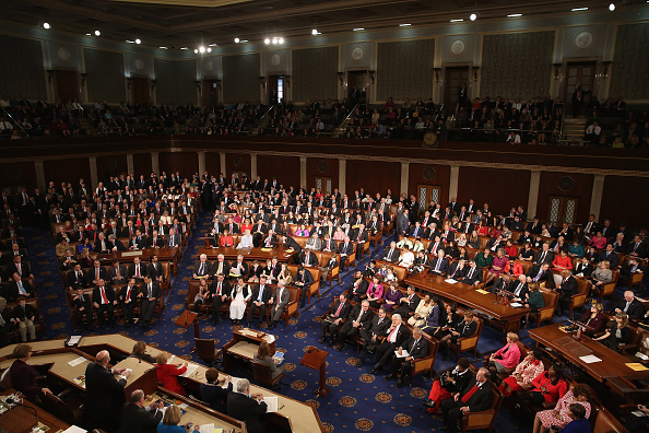 House Of Representatives「Lawmakers Convene For Opening Of The 114th Congress」:写真・画像(15)[壁紙.com]