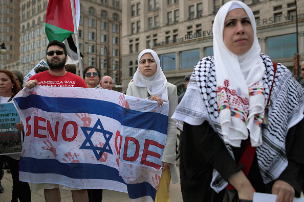 Israel-Palestine Conflict「Activists Demonstrate Against Israel's Actions Against Palestinians In Gaza」:写真・画像(2)[壁紙.com]