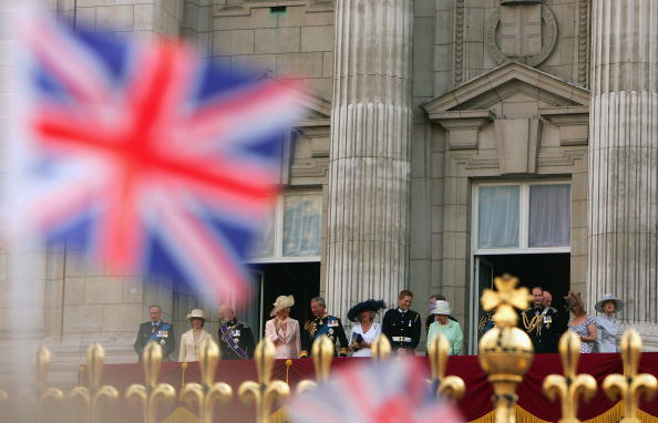Architectural Feature「60th Anniversary Of End Of WWII - Buckingham Palace Flypast」:写真・画像(8)[壁紙.com]