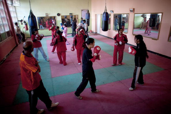 Religious Dress「Afghan Women Boxers Train For London 2012 Olympics」:写真・画像(12)[壁紙.com]