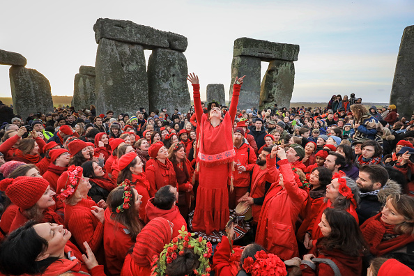 Human Interest「Winter Solstice Is Marked At Stonehenge」:写真・画像(15)[壁紙.com]