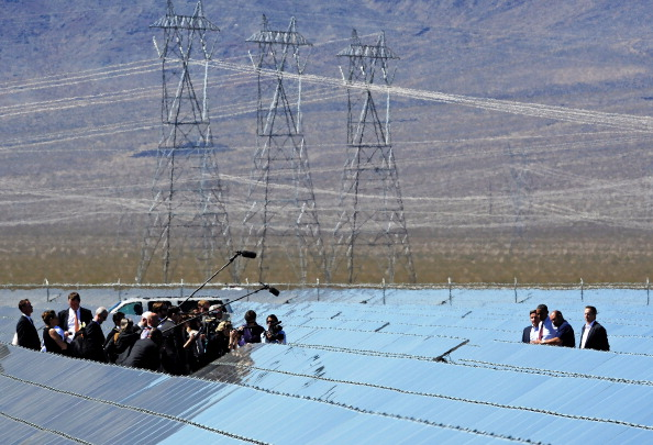 Solar Energy「President Obama Visits Largest Photovoltaic Plant In U.S. In Nevada」:写真・画像(11)[壁紙.com]