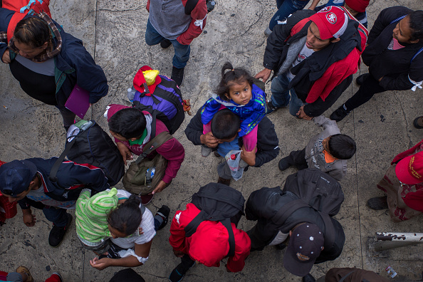 Baja California Norte「Migrants In Caravan That Travelled Through Mexico Attempt To Be Granted Asylum At U.S. Border」:写真・画像(13)[壁紙.com]