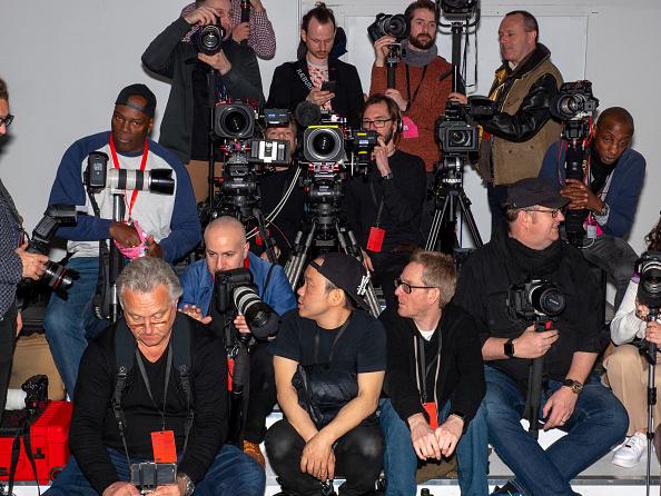 ロンドンファッションウィーク「Backstage at London Fashion Week」:写真・画像(7)[壁紙.com]