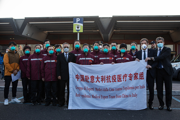 Global「Chinese Medical Team Arrives In Milan」:写真・画像(3)[壁紙.com]