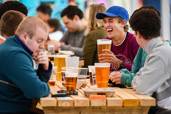 Beer - Alcohol「Scotland Allows Pub Gardens To Reopen」:写真・画像(10)[壁紙.com]