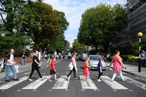 Repetition「Beatles' Iconic 'Abbey Road' Photograph Made 50 Years Ago Today」:写真・画像(3)[壁紙.com]
