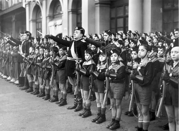 Greeting「Italian Fascist Youth」:写真・画像(17)[壁紙.com]