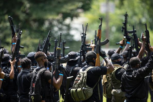 Louisville - Kentucky「Black Militia Group Holds March In Louisville」:写真・画像(18)[壁紙.com]