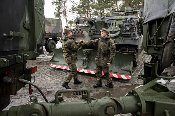 Jens-Ulrich Koch「Bundeswehr Ships Military Equipment To Lithuania」:写真・画像(14)[壁紙.com]