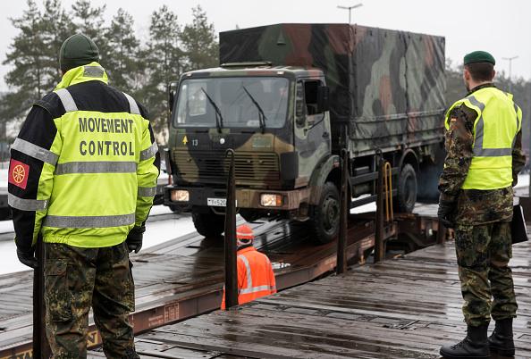 Jens-Ulrich Koch「Bundeswehr Ships Military Equipment To Lithuania」:写真・画像(16)[壁紙.com]