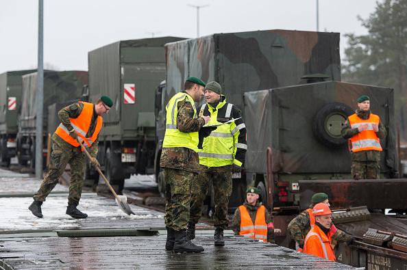 Jens-Ulrich Koch「Bundeswehr Ships Military Equipment To Lithuania」:写真・画像(18)[壁紙.com]