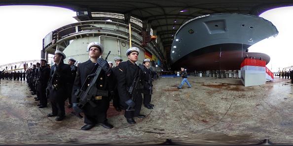 全景「German Navy Christens New Frigate At Blohm+Voss Shipyard」:写真・画像(8)[壁紙.com]