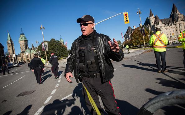 Nathan Burton「Ottawa On Alert After Shootings At Nation's Capitol」:写真・画像(5)[壁紙.com]