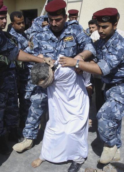 Beret「Suspected Insurgents Captured in Basra」:写真・画像(6)[壁紙.com]