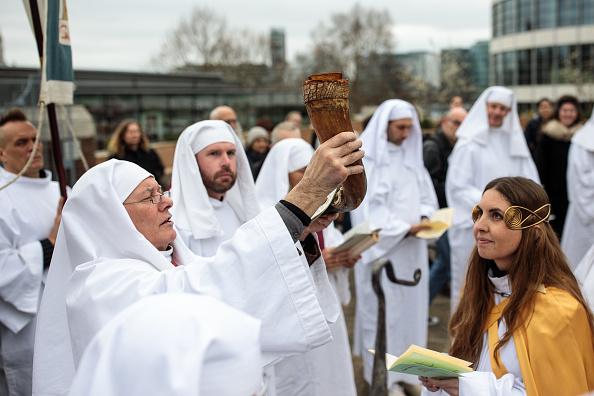春「Druids Mark The Spring Equinox」:写真・画像(4)[壁紙.com]