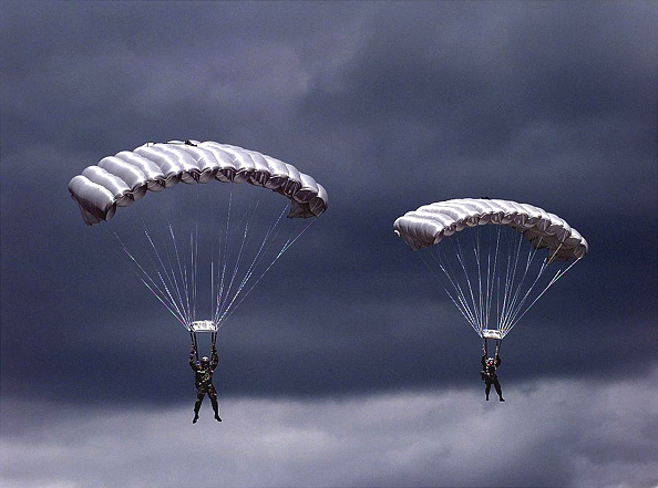 Halo「High Altitude parachutte jump」:写真・画像(2)[壁紙.com]