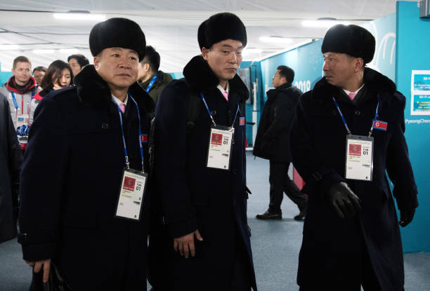 2018 Winter Olympics - Pyeongchang「North Korean Delegation Arrives In South Korea Ahead Of PyeongChang 2018」:写真・画像(2)[壁紙.com]