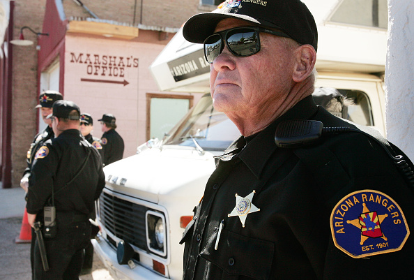 Vigilante「Volunteers Patrol Arizona Border For Illegal Immigrants」:写真・画像(18)[壁紙.com]