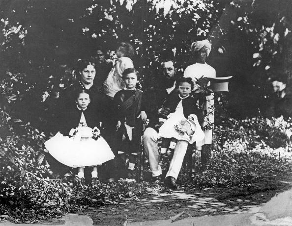 Caucasian Ethnicity「Victorian Family In India」:写真・画像(10)[壁紙.com]
