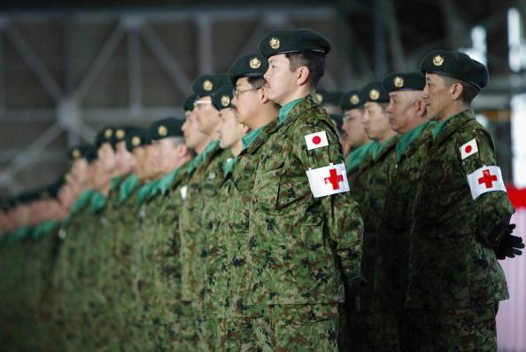 Beret「Japanese Troops Leave For Iraq」:写真・画像(10)[壁紙.com]