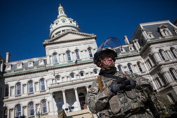 The Knife「National Guard Activated To Calm Tensions In Baltimore In Wake Of Riots After Death Of Freddie Gray」:写真・画像(6)[壁紙.com]