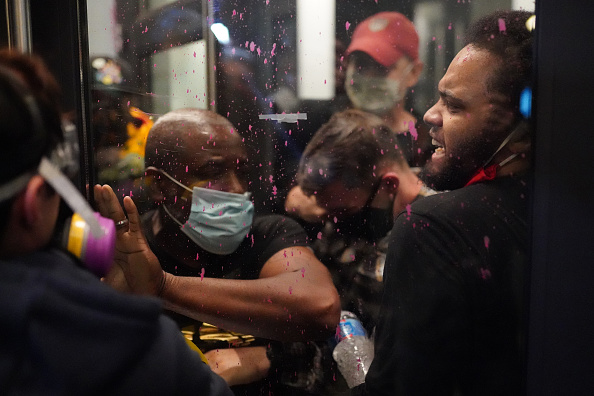 Nathan Howard「Feds Attempt To Intervene After Weeks Of Violent Protests In Portland」:写真・画像(14)[壁紙.com]