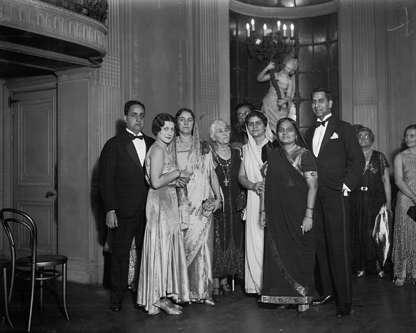 Evening Gown「Indian Circle At Lyceum Club」:写真・画像(14)[壁紙.com]