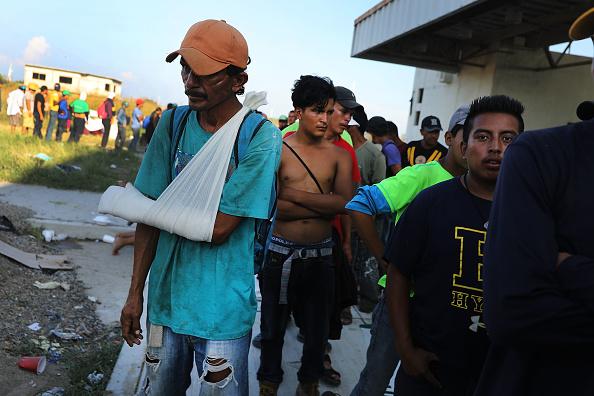 Honduras「Thousands Of Hondurans In Migrant Caravan Continue March Through Mexico」:写真・画像(16)[壁紙.com]