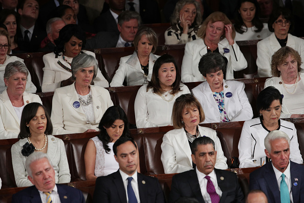 White Color「Donald Trump Delivers Address To Joint Session Of Congress」:写真・画像(7)[壁紙.com]