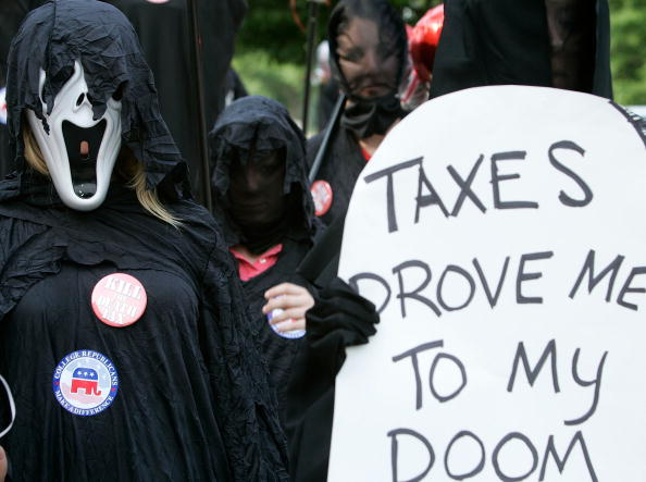 Grounds「College Republicans Rally For Repeal Of Estate Tax」:写真・画像(18)[壁紙.com]